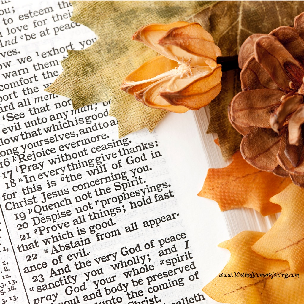 thanksgiving-bible-passage-and-fall-decorations-picture-id471327125.jpg